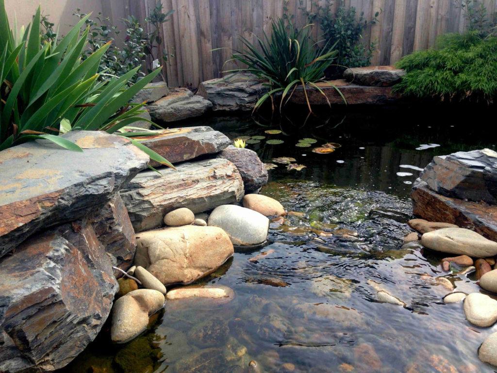 Jardines con piedras de r o dep sito castro terrarios for Piedras de rio para jardin